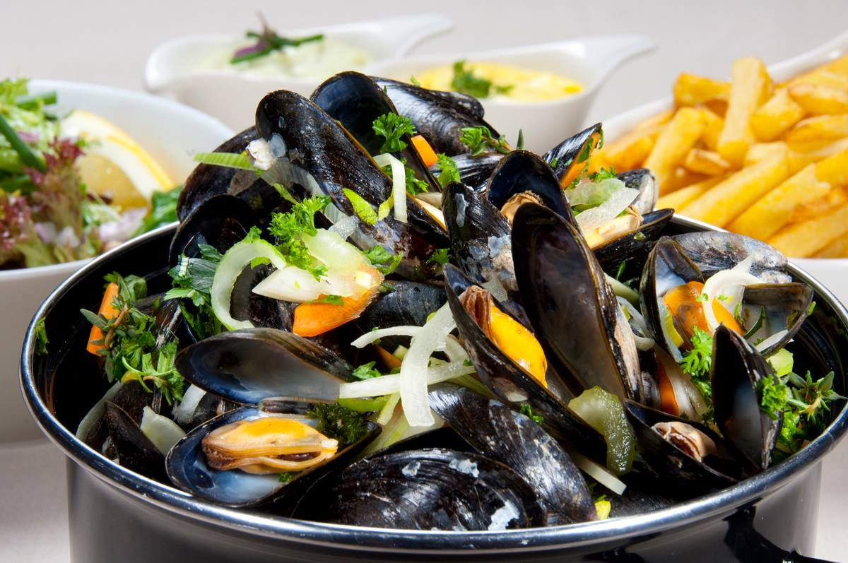 Vanaf 3 juli: Vers gekookte Zeeuwse Mosselen!!